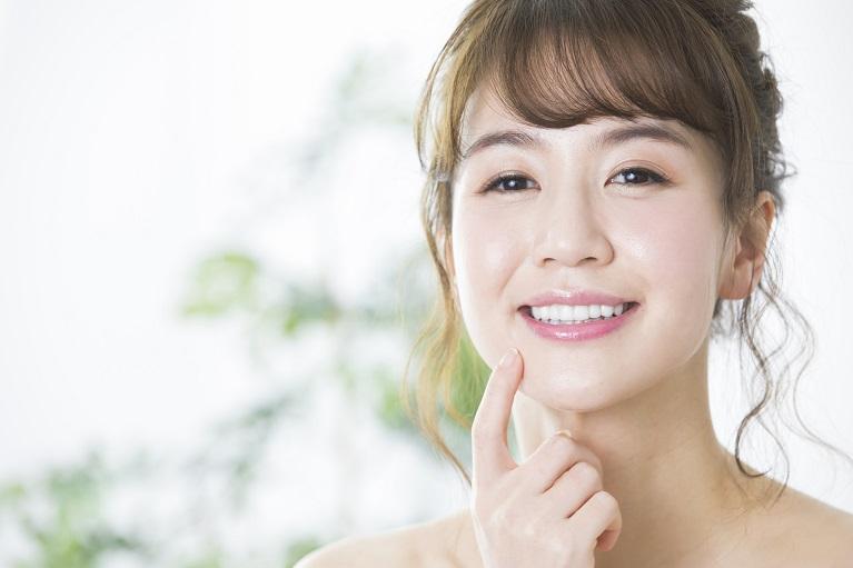 満足のいく白い歯はセラミック治療で可能です